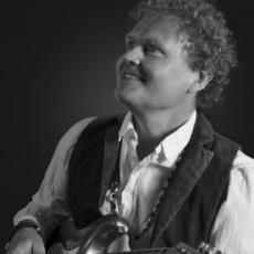Alexander Espinosa - Taktstelle Erlangen - Gitarrenunterricht
